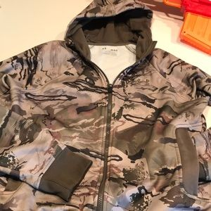 Under Armour Shirts & Tops - 2 for 1‼️Boy's Camo Hoodie and T-Shirt (M)